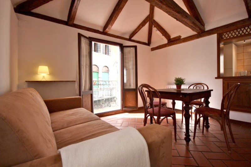appartement casa veneziana 2 en location venise. Black Bedroom Furniture Sets. Home Design Ideas