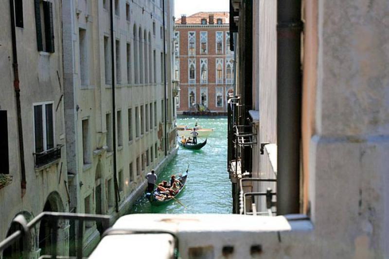 Appartement ponte delle ostreghe en location venise for Appartement design venise