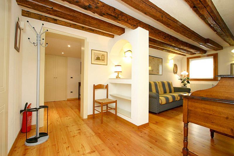 Appartement palazzo moro 4 en location venise for Appartement design venise