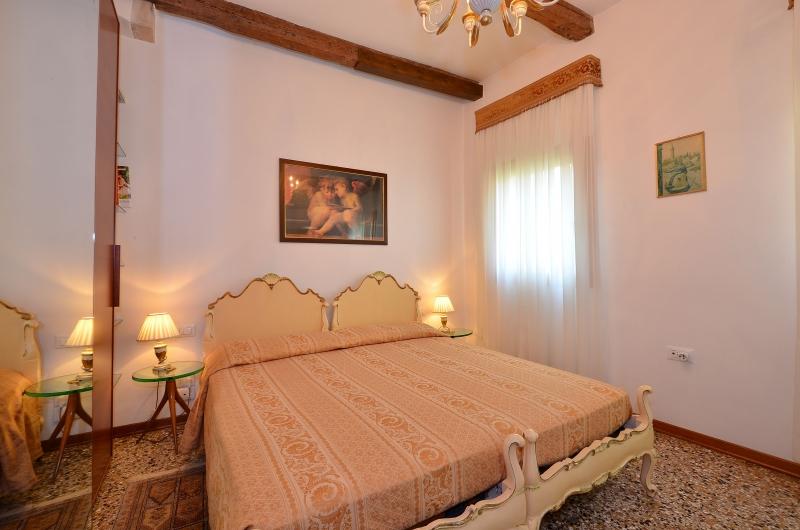 appartement marin en location venise. Black Bedroom Furniture Sets. Home Design Ideas